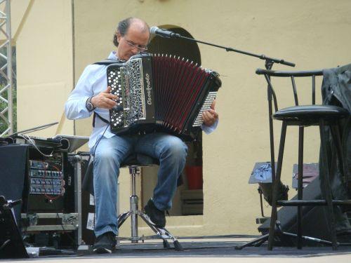 concert serge lama gemenos sergio Tomassi  3.JPG