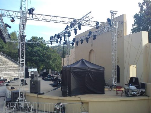 concert serge lama gemenos été 2011 2.jpg